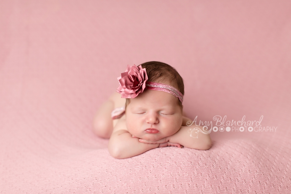 omaha-newborn-photography-three little giggles