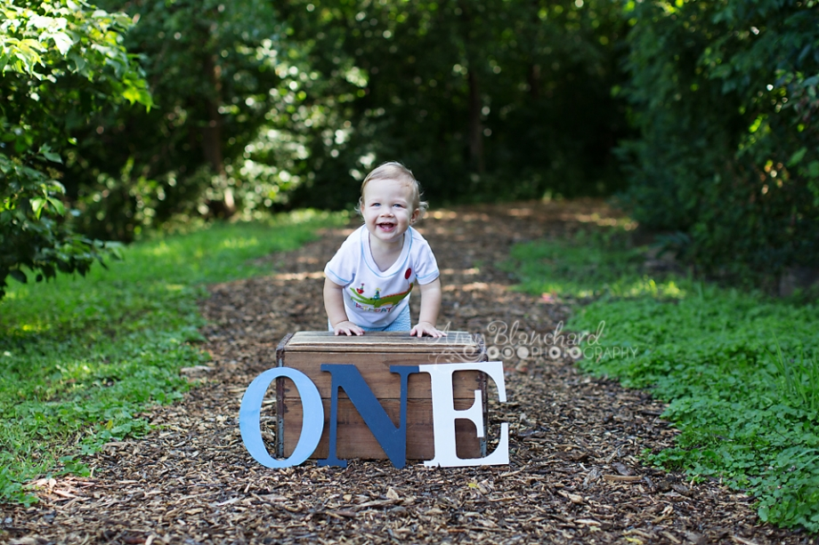 omaha-one-year-old-photography-outdoor